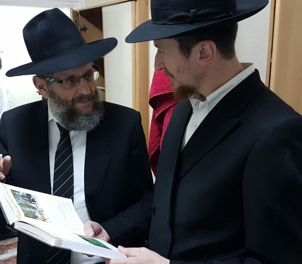 הרב יוסף יצחק אהרונוב מעלה זכרונות מהעיירה ליובאוויטש